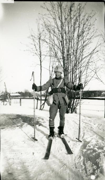 Suneson, furir, A 6 på skidor, AUS.
