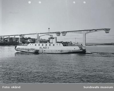 Färjan Alnö-1. Alnöbron byggs.