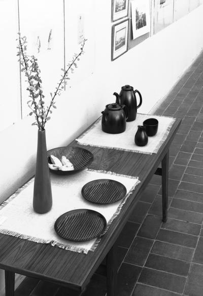 GÄVLE PORSLINSFABRIK Utställning. Lillemor Mannerheim. 28 april 1956