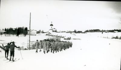 Arméns Underofficersskola, marsch till kyrkan.