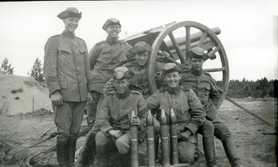 Kanon m/1902. 7,5 cm. Skjutning med övergrader, bockar.