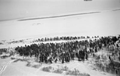 Flygfotografi över landskap vid F 19, Svenska frivilligkåren i Finland.
