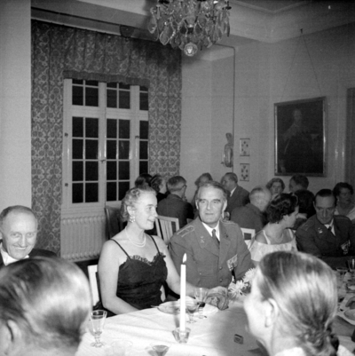 Årets höjdpunkt på mässen var den traditionstyngda Höstmiddagen med fruar.  Personer: Elsa Högstedt, Malcolm Fritz, Tatjana Hamilton och Gunnar Ekelund. Placering, se bild 2.