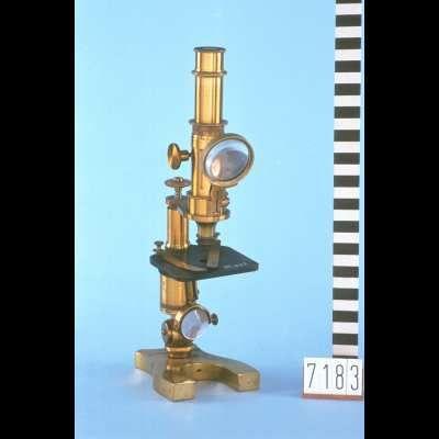 Samengestelde microscoop met kist