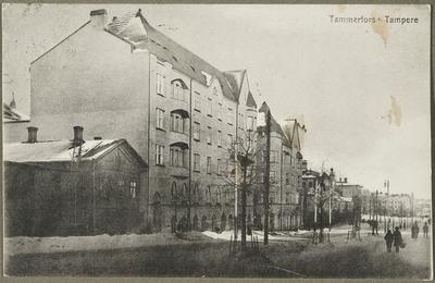 Hämeenkatu talvella, vas. toisena Tampereen Osake-Pankin talo