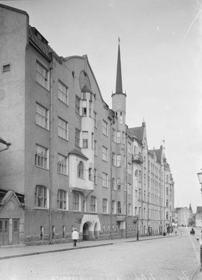 Asunto-osakeyhtiö Kointähti, Pietarinkatu 9
