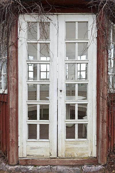 Hvitträsk, huvimajan ovi