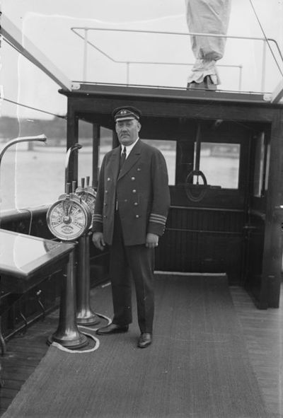 FÅA:n (Finska Ångfartygs Aktiebolag) merikapteeni B. Förbom