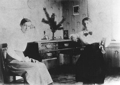 Elina Peltomäki ja Helmi Bergroth
