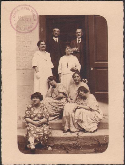 Membri ai familiei Isac