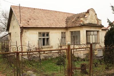 Casa învățătorului din Boghiș