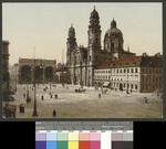 München. Theatinerkirche mit Feldherrnhalde
