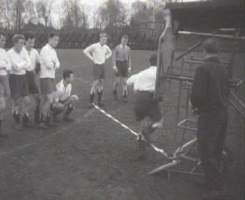 Demonstration of a training device for football players