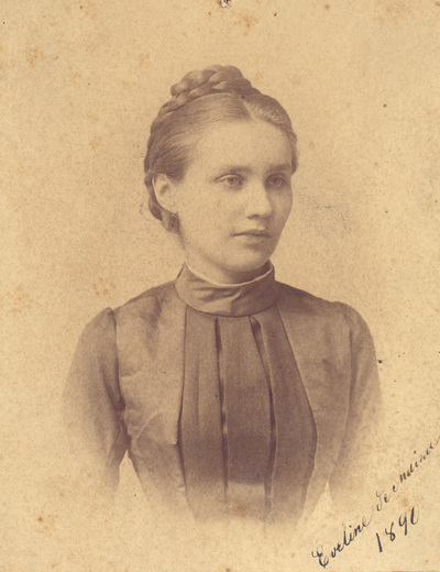 Portrait of Eveline Dechaim