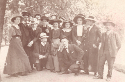 Group portrait of chemistry students from Belgrade