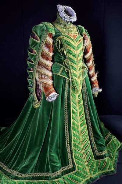 Stage costume  for Elisabetta I per Maria Stuarda