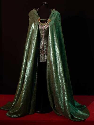 Stage costume  for Rita Hayworth per Circus World
