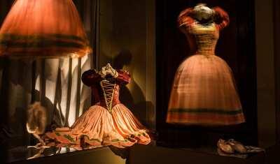 Costumi di scena. Anna Anni e l'Officina  Cerratelli.