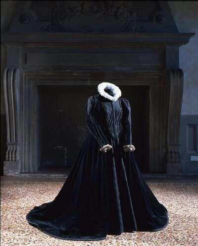 Stage costume  for Maria Stuarda