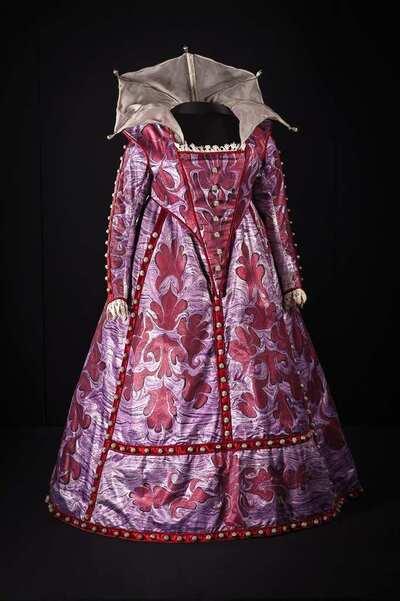 Stage costume  for Dama veneta per Otello