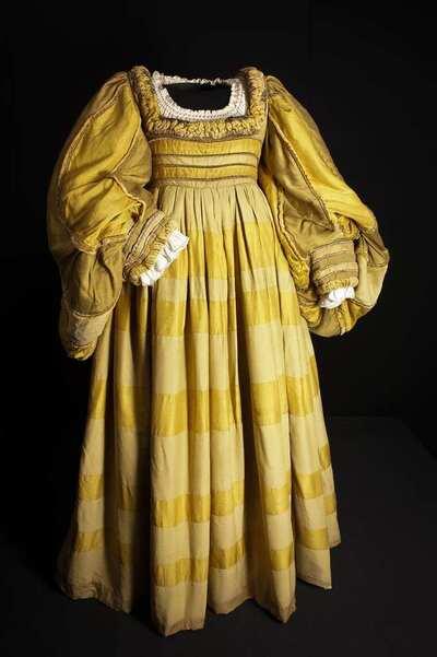 Stage costume  for Matrona rinascimentale per La bisbetica domata