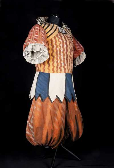 Stage costume  for Puritano per I Puritani