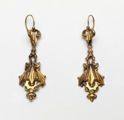 Paar gestampte gouden oorhangers