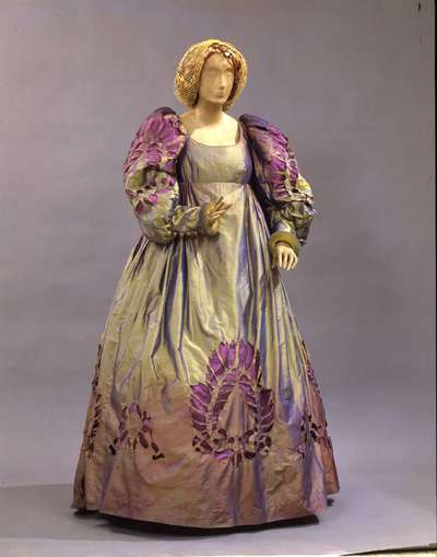 Costume teatrale (una Dama).