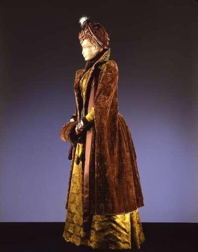 Costume cinematografico (Giuliana Hermil).