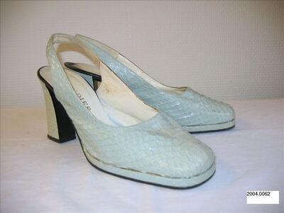 Halfopen schoenen met hoge hak in witgroen reptielleer