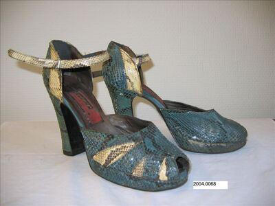 Halfopen schoenen in groen-beige reptielleer