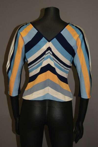 Maglia di lana a strisce, modello