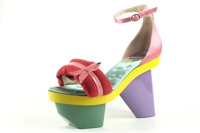 vernice rosa/ raso di seta rosa/ alcantara rosa con tacco in legno giallo/ verde e viola