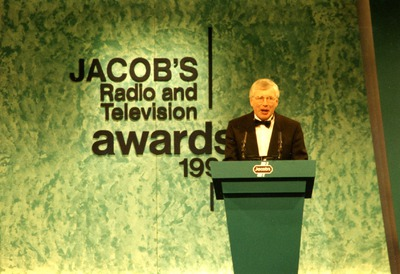 Tomás Ó Ceallaigh addressing the audience at the Jacob's Radio and Television Awards