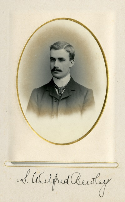 Portrait photograph of S. Wilfred Bewley