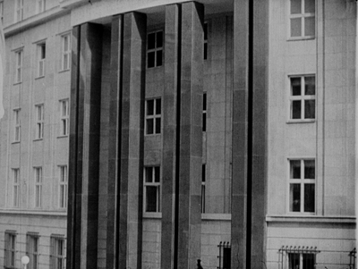 Wystawa urządzenia sklepów detalicznych w gmachu Izby Przemysłowo-Handlowej w Warszawie