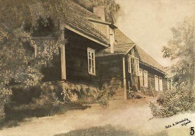 Photo of the Tölli schoolhouse