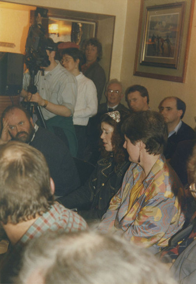 Rosie Stewart singing for audience including Joe Stewart, Paddy Tunney, Gerry O'Hanlon, and Róisín White at the 3rd annual folksong and ballad seminar, Inishowen, Co Donegal, March 1992