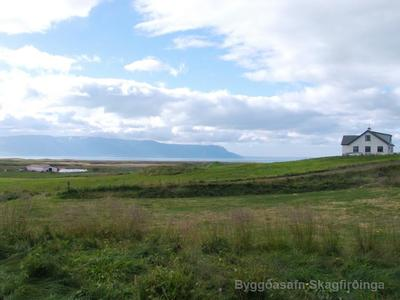 Kirkjugarður