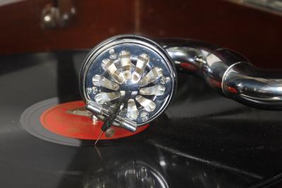 HMV Model 113a Transportable gramophone: perforated aluminium diaphragm