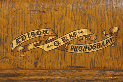 Edison Gem (later Model A) phonograph: scrollwork decal