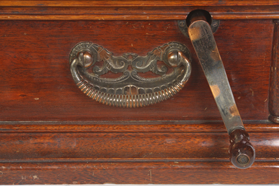 Edison Opera phonograph: metal parts