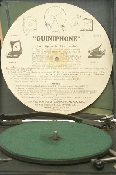 Guiniphone portable gramophone: instructions sheet