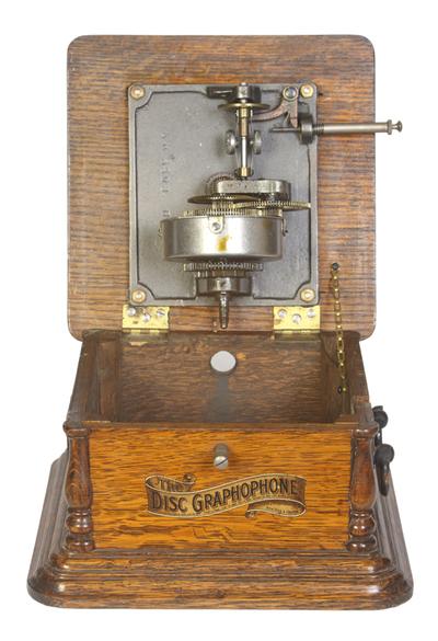 Columbia Disc Model AJ disc graphophone: the motor