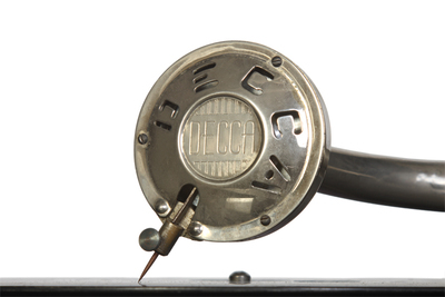Decca Model 66 portable gramophone: soundbox protective mask