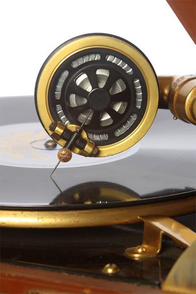 Columbia Model 111GP luxury portable gramophone: Columbia No. 9 soundbox, view 1 of 2