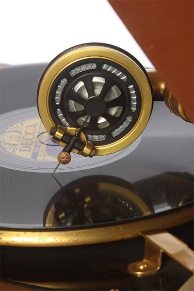 Columbia Model 111GP luxury portable gramophone: Columbia No. 9 soundbox, view 2 of 2