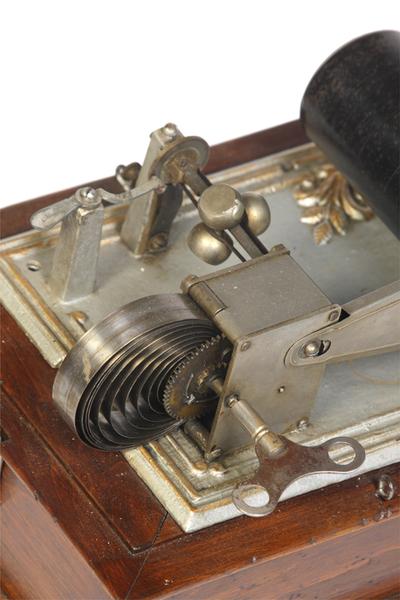 Kastenpuck phonograph: view of working parts