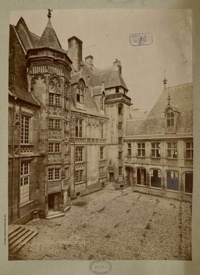 Palais Jacques Coeur Bourges