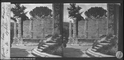 Tivoli. Base du temple de la Sybille